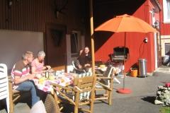 zo-kun-je-ontbijten-bij-der-tourstop-lekker-buiten-in-de-tuin