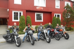 Bert, Rieneke, Henk, Bram en Thera